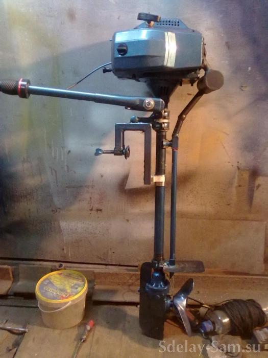 как сделать лодочный мотор из триммера своими руками видео