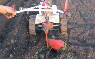 Как пользоваться мотоблоком: вспашка огорода, окучивание, посадка и копка картофеля, выравнивание участка