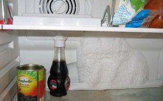 Почему в холодильнике намерзает лед на задней стенке и она покрывается снегом